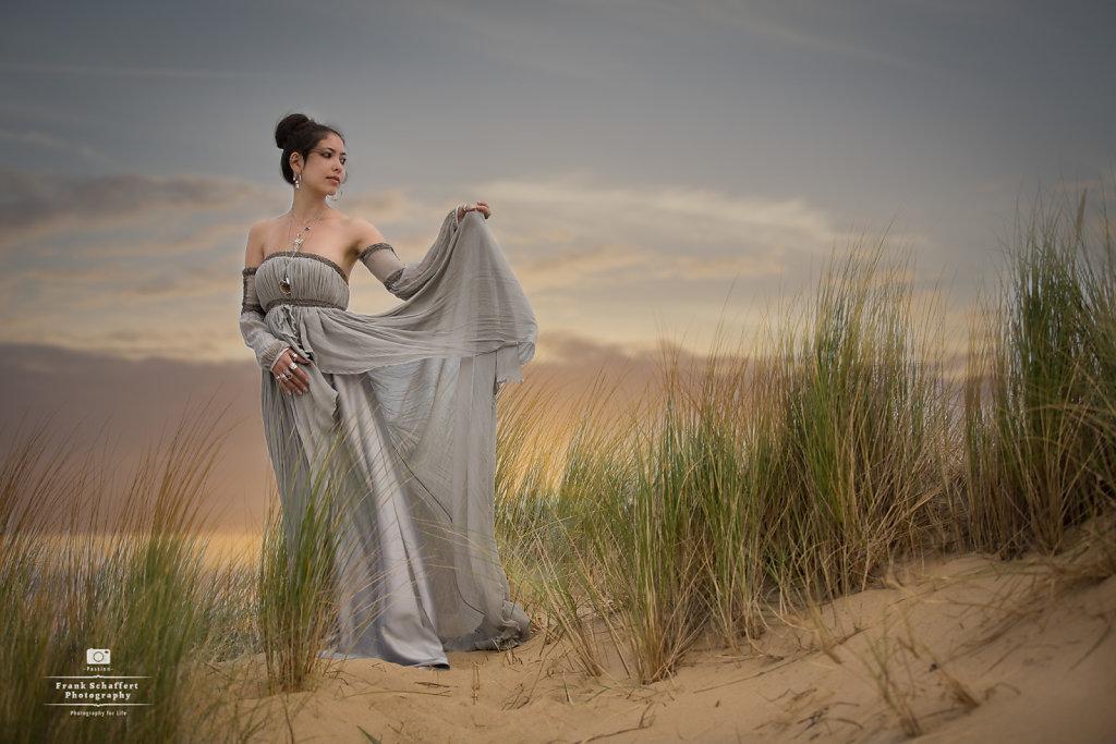 The Queen athe Beach